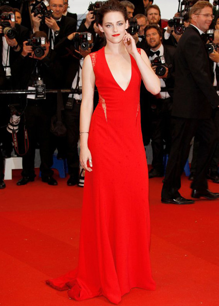 top-10-red-dresses-on-the-red-carpet-02