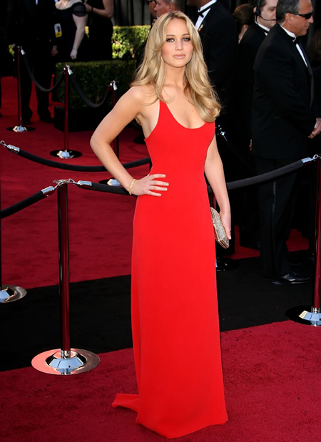 top-10-red-dresses-on-the-red-carpet-04