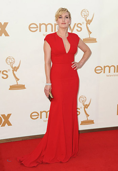 top-10-red-dresses-on-the-red-carpet-05