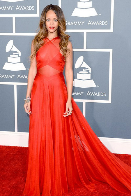 top-10-red-dresses-on-the-red-carpet-10_01