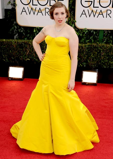 lena-dunham-golden-globes-red-carpet-2014